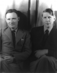 Auden (right) and Isherwood (left), photographed by Carl Van Vechtan in 1939 a few months after their arrival to the United States.