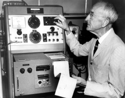 Pete Seeger's father, Charles and his pitch-analyzing machine (international.ucla.edu)
